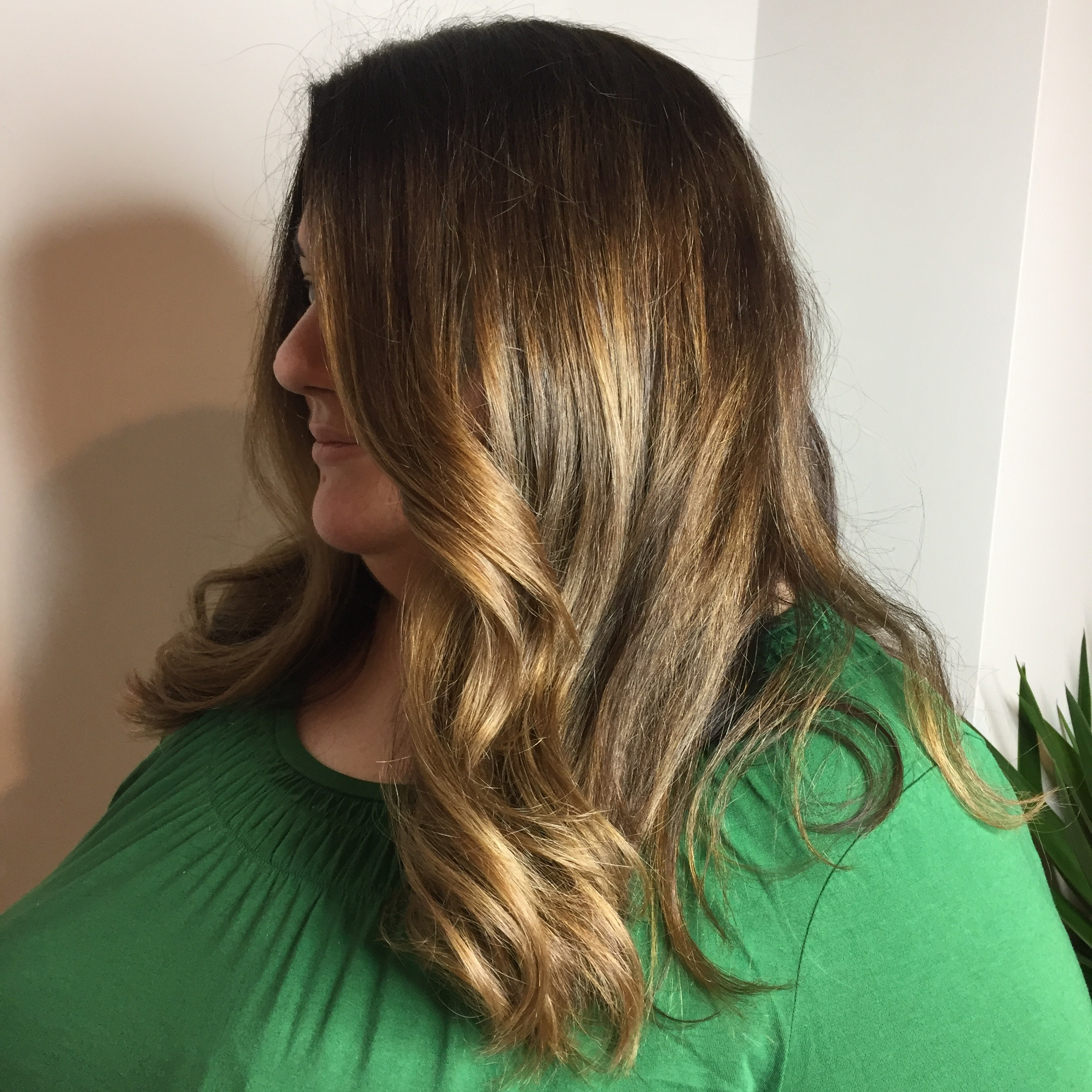 ROOT COLOR AND COLOR MELTING TO OMBRE DONE BY : NINA