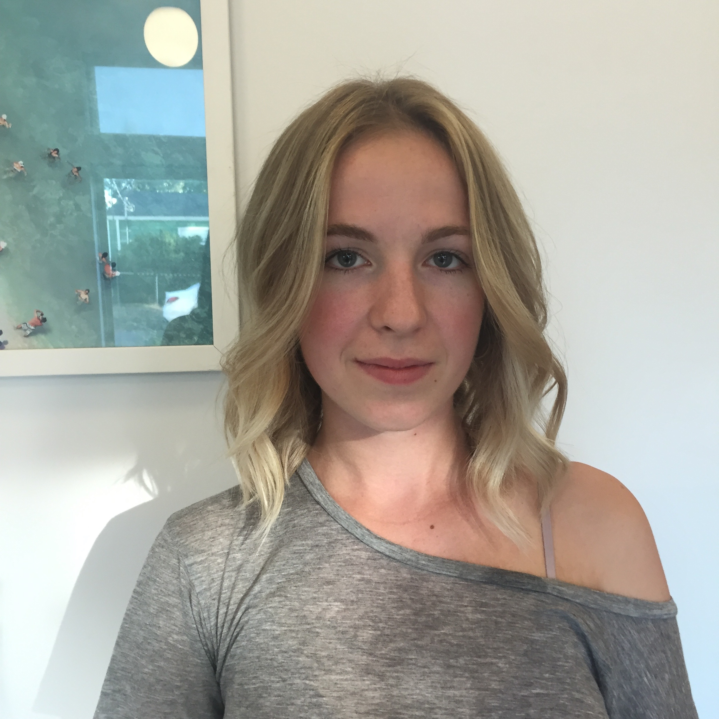 NATURAL BLONDE BALAYAGE AND HAIRCUT DONE BY : NINA