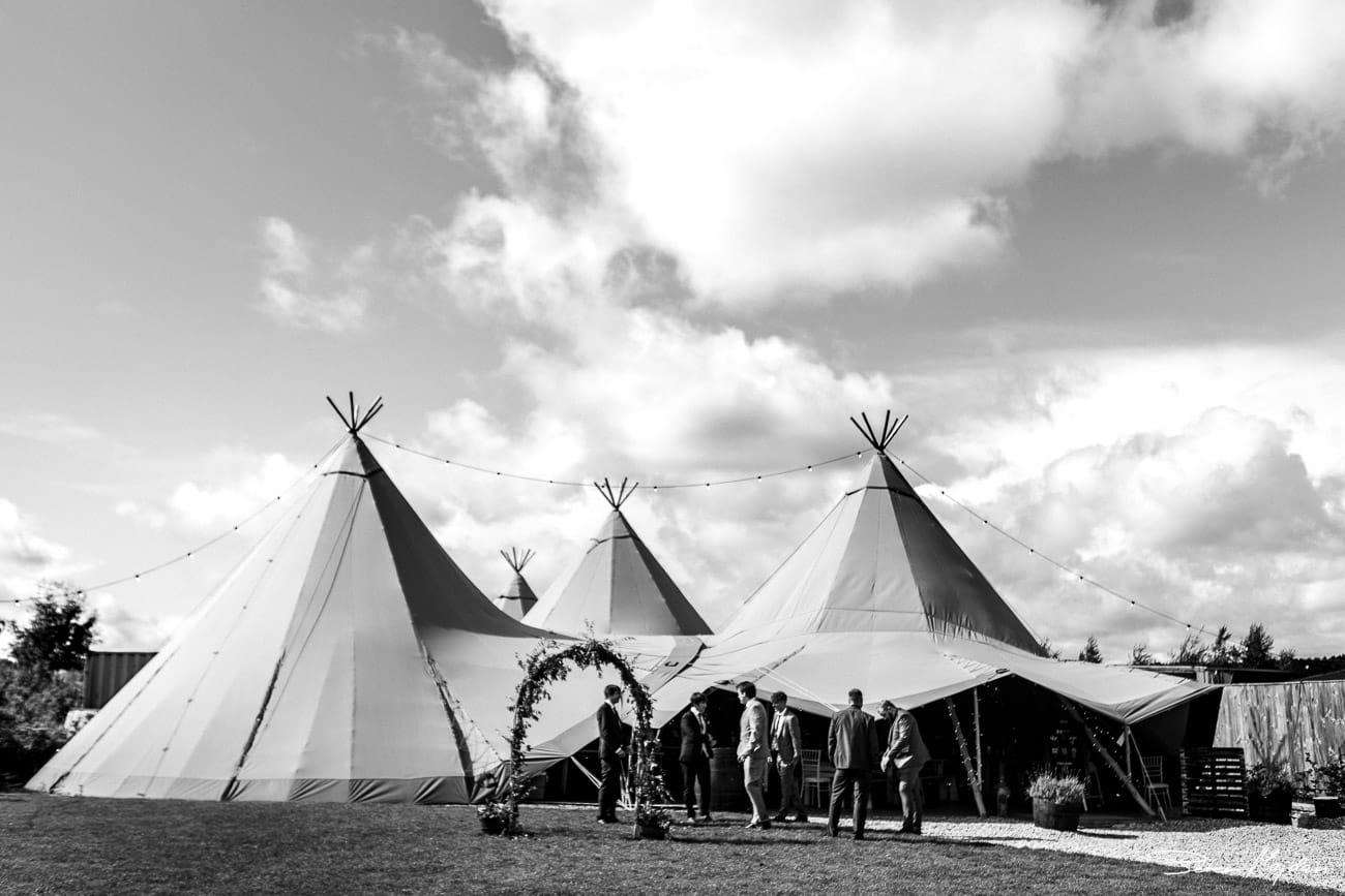 inkersal-grange-farm-wedding-photography-3.jpg