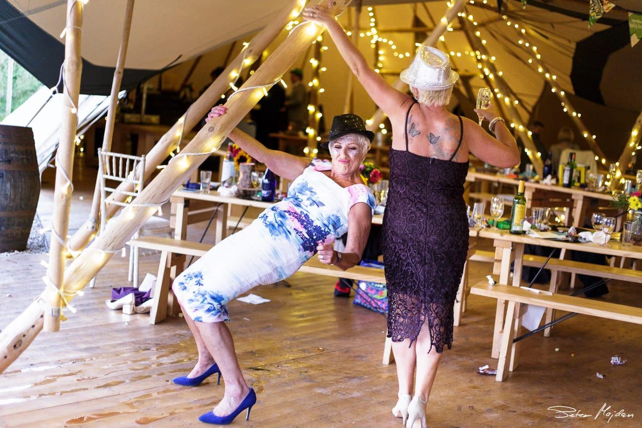 inkersal-grange-farm-wedding-photography-41.jpg