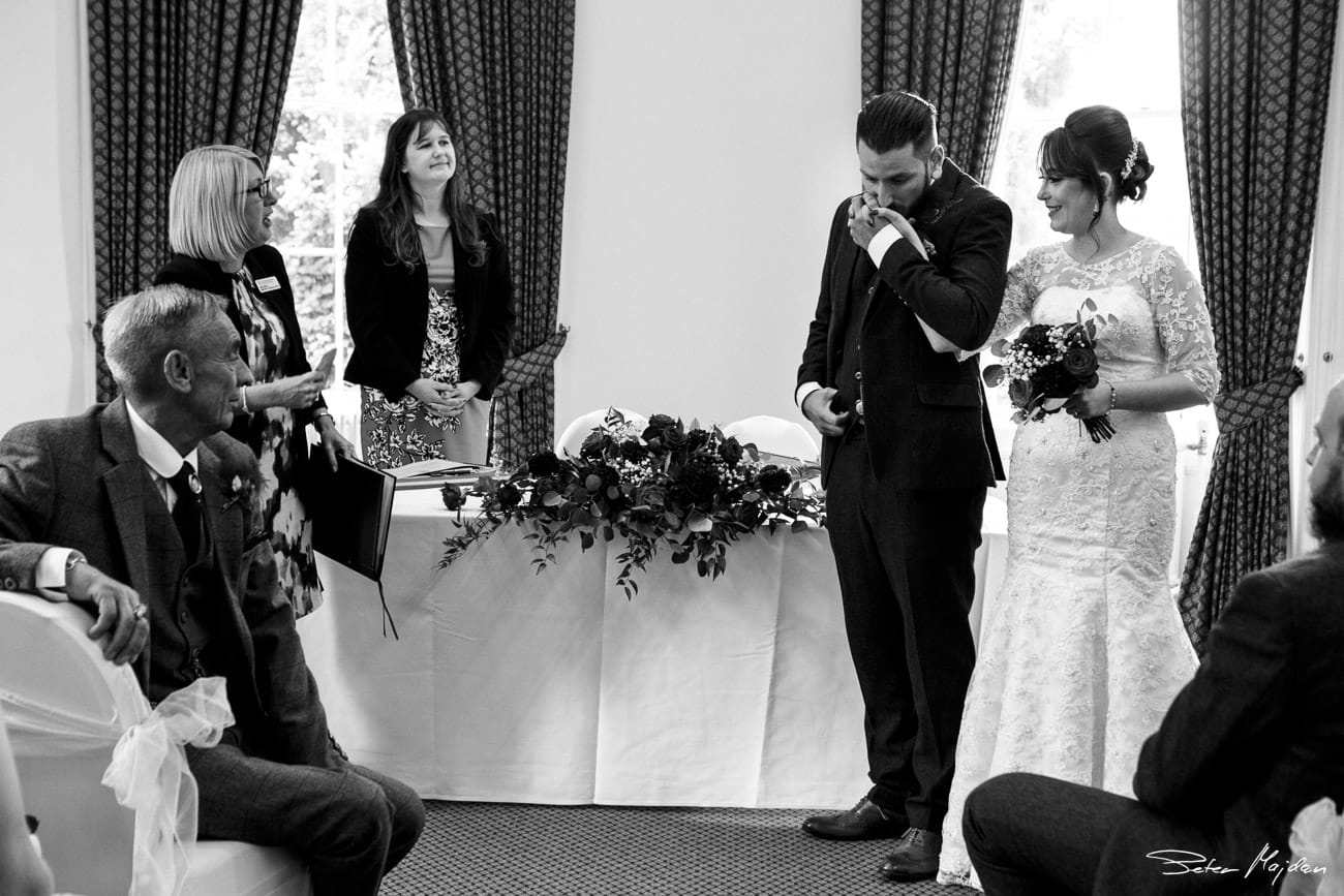 wedding-photographer-nottingham-21.jpg