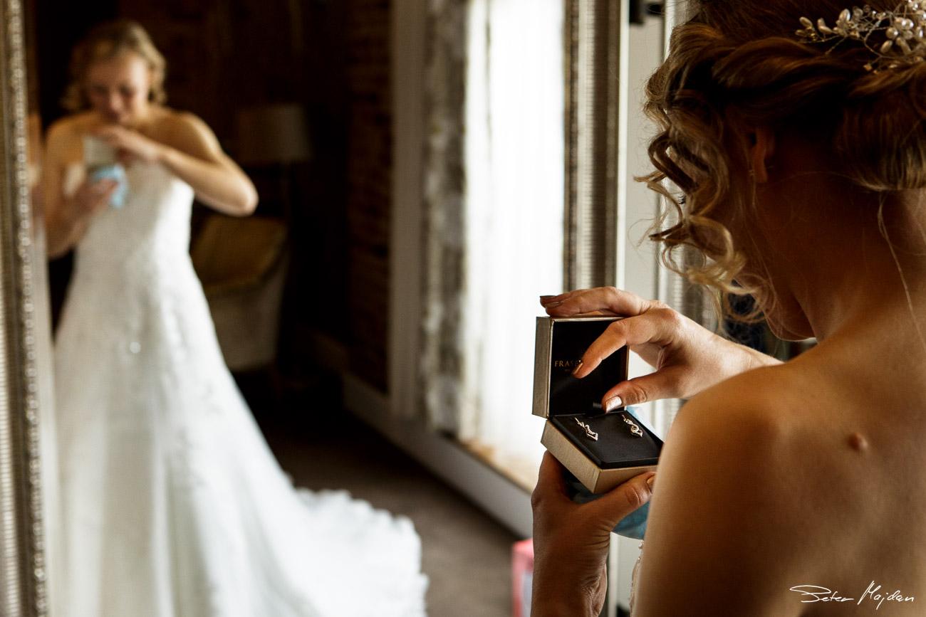 mythe-barn-wedding-photography-8.jpg