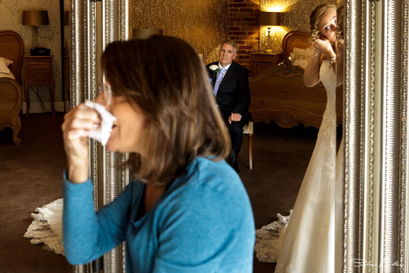 mythe-barn-wedding-photography-10.jpg