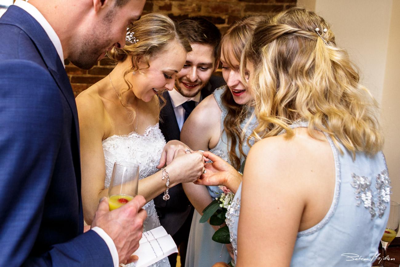 mythe-barn-wedding-photography-31.jpg