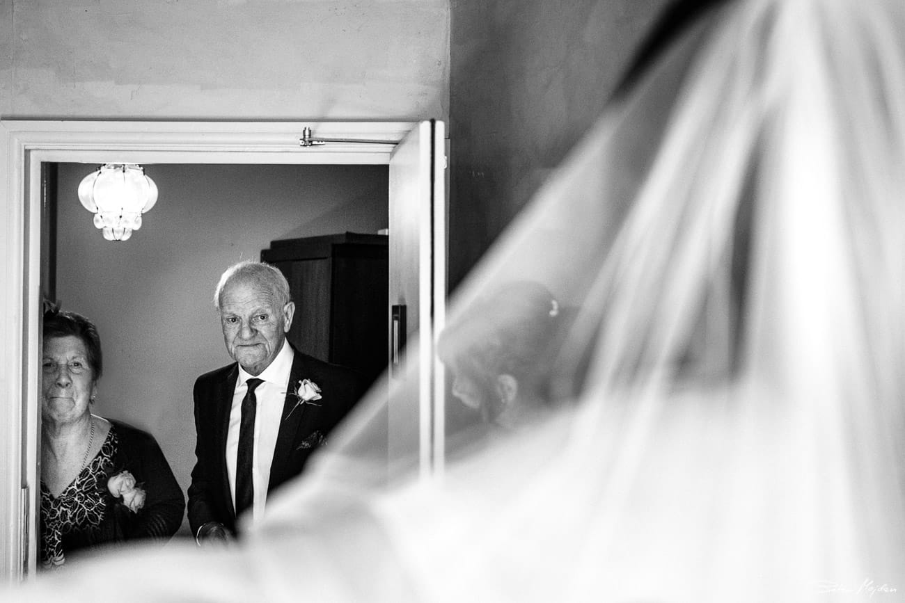 grandfather seeing bride for first time
