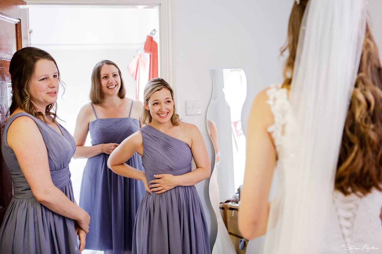 bridesmaids seeing bride for first time