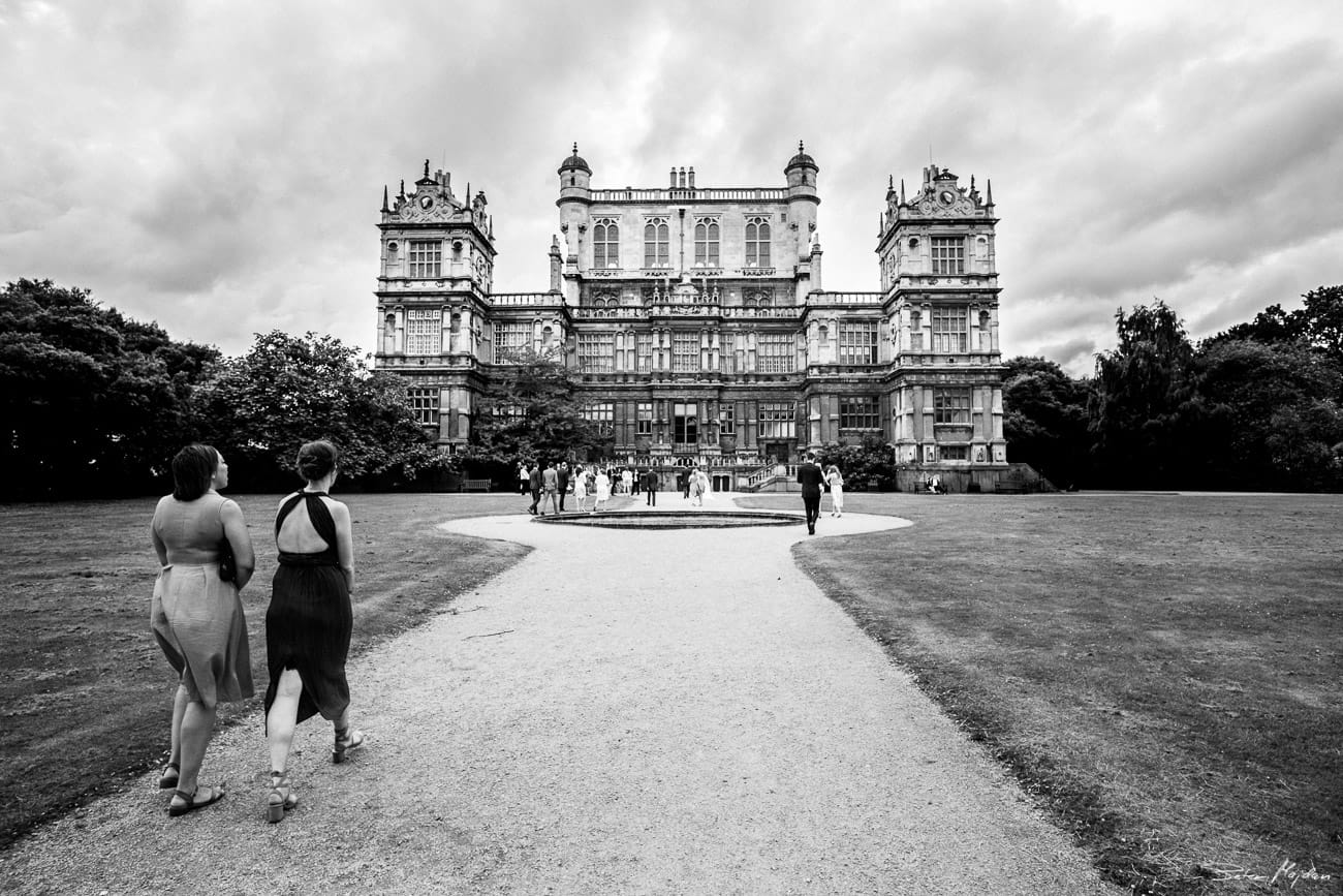 guests arriving to wollaton hall