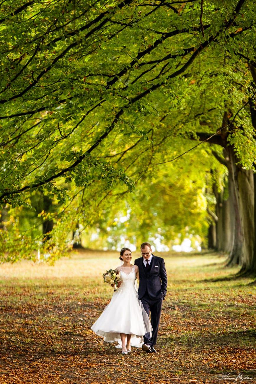 autumn wedding photo at Chatsworth House