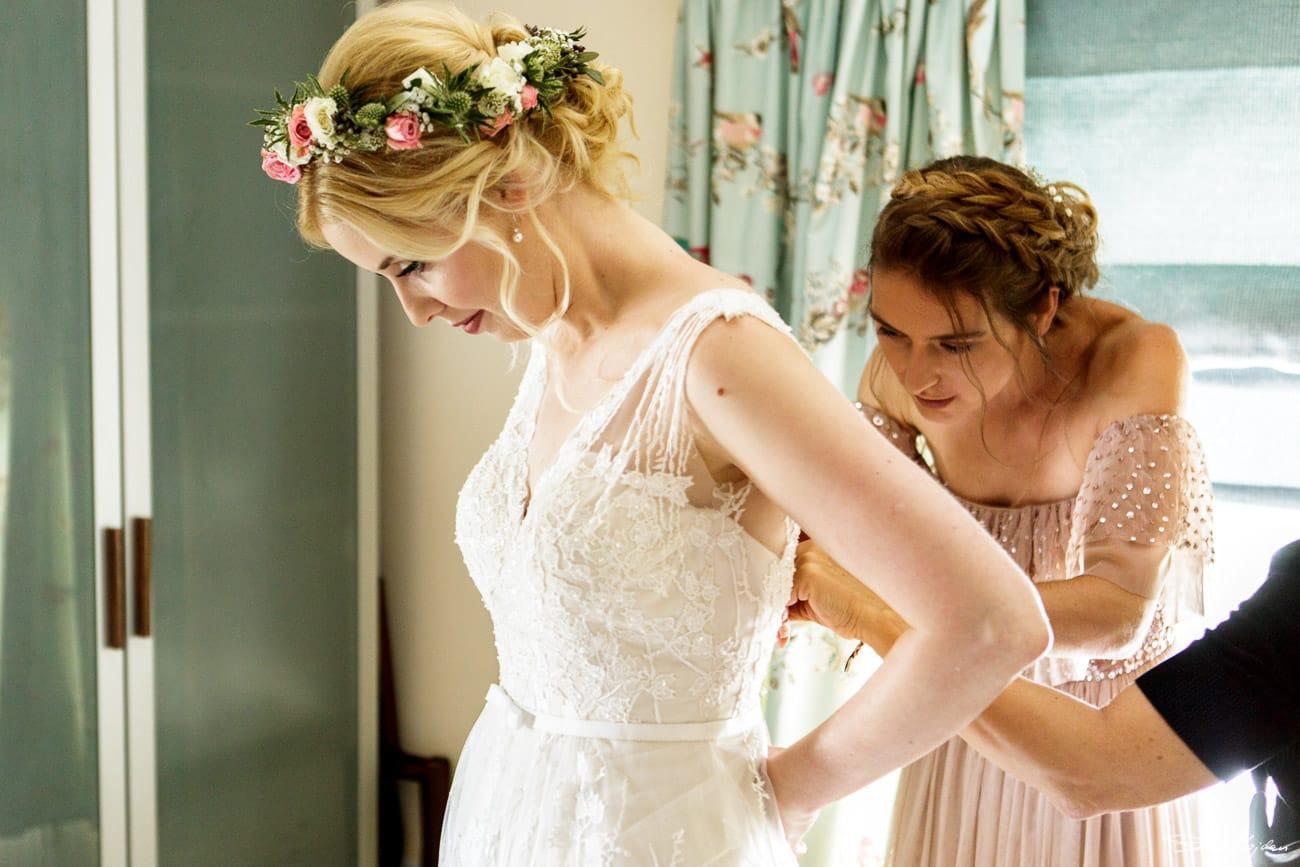 storytelling-wedding-photos-10.jpg
