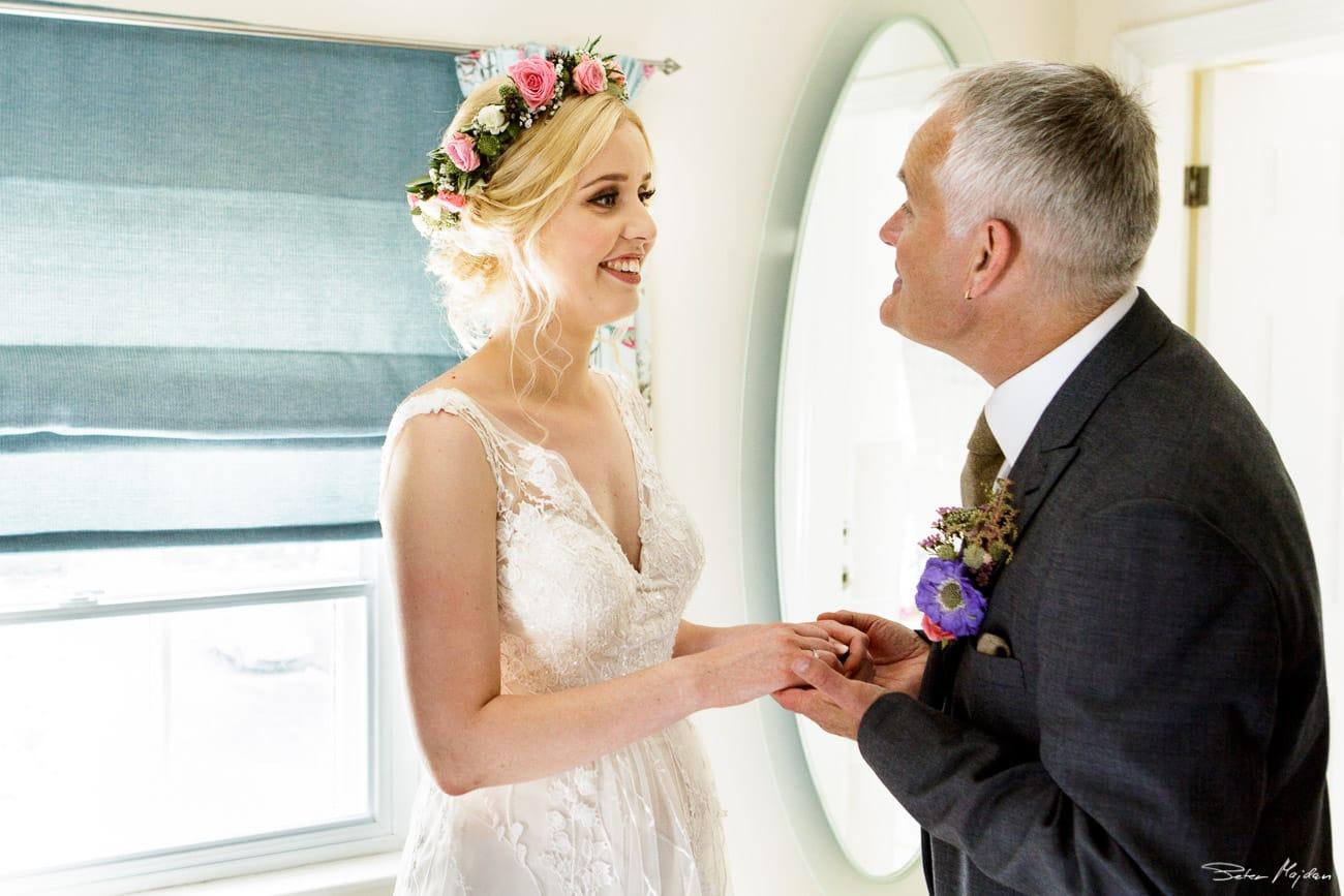 storytelling-wedding-photos-14.jpg