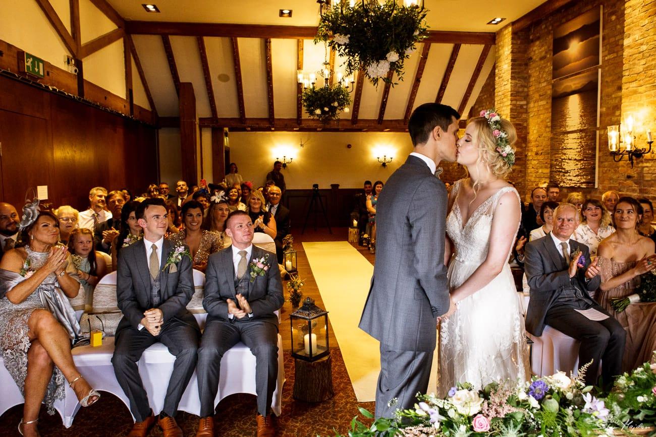 storytelling-wedding-photos-31.jpg