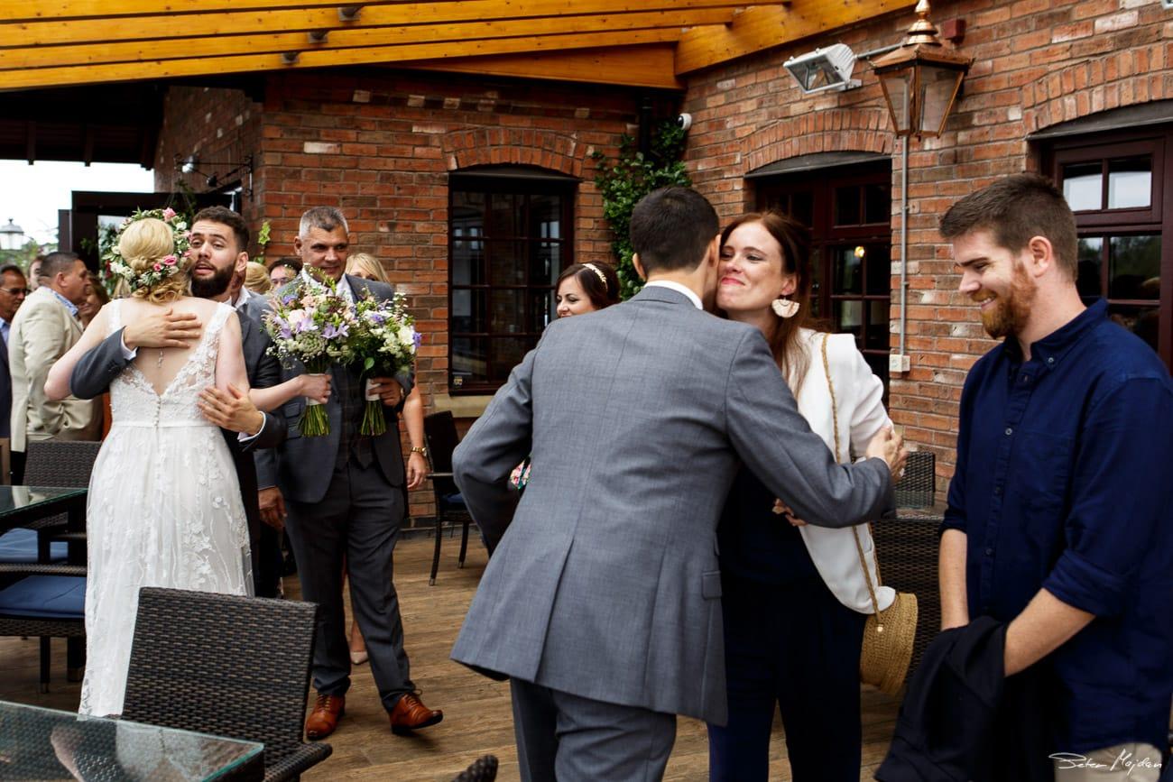 storytelling-wedding-photos-37.jpg
