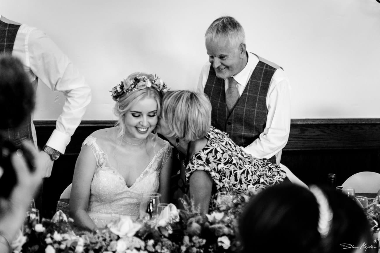 storytelling-wedding-photos-47.jpg