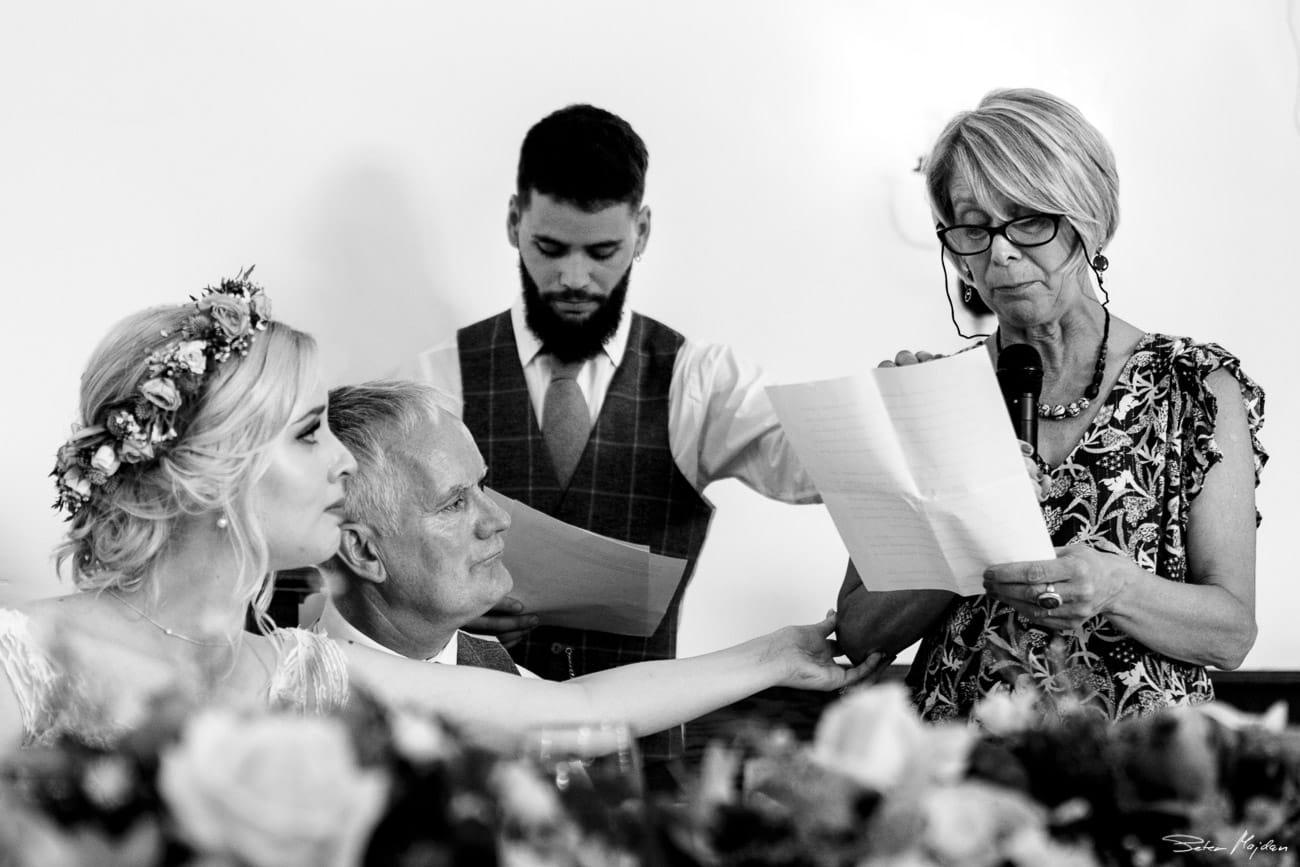 storytelling-wedding-photos-53.jpg