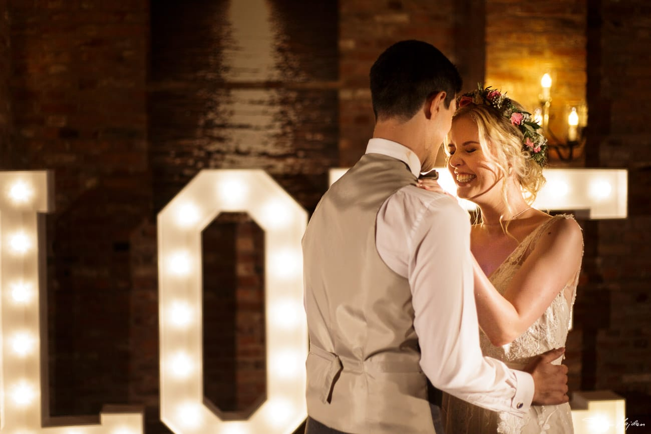 storytelling-wedding-photos-63.jpg