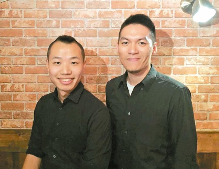 来自武汉的杨阳(左)与台湾出身的林大班(右),创办POWER FOR POINT,提供的简报服务获得高满意度,愿意长期合作的企业超过八成。