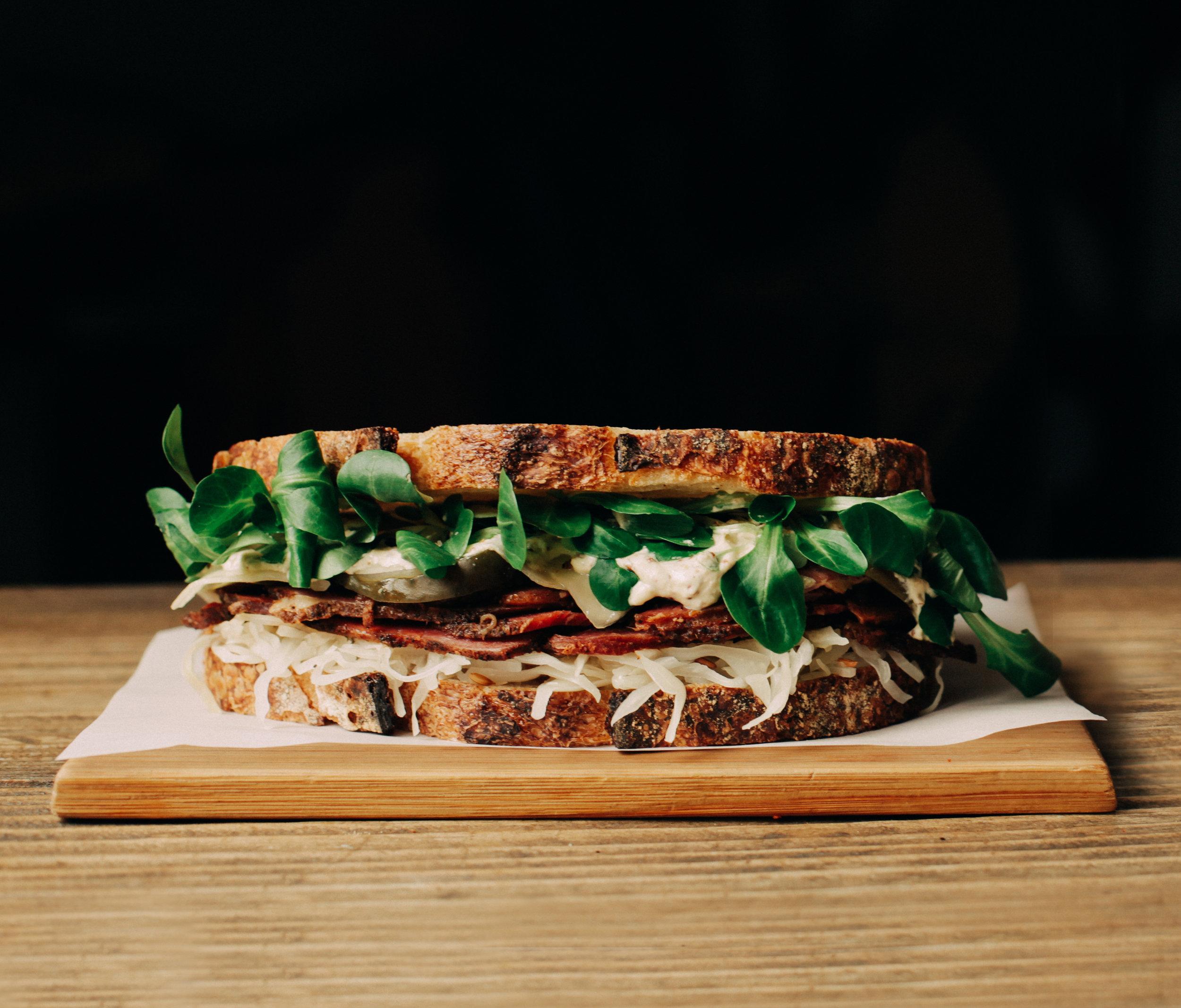 pastrami sanwich copia.jpg