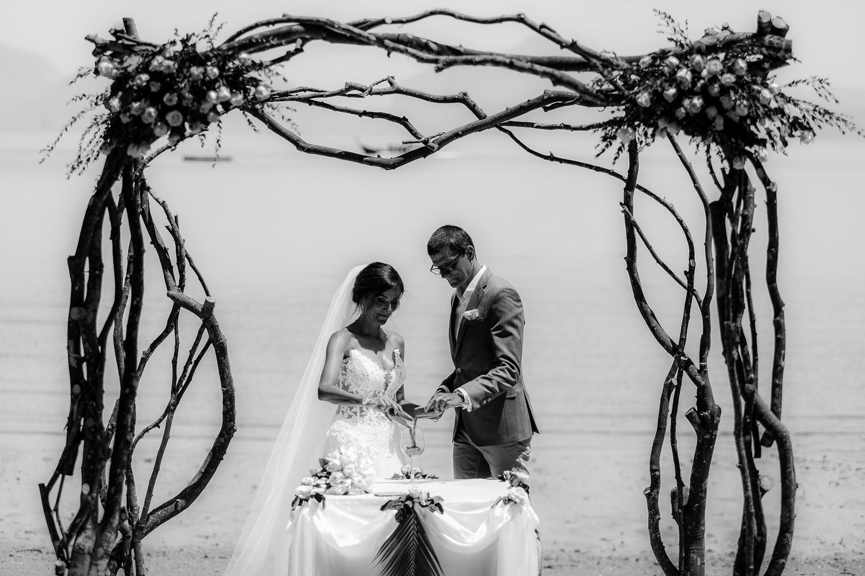 093-Fotomagoria-Thailand-Pukhet-Elopement-Wedding.jpg