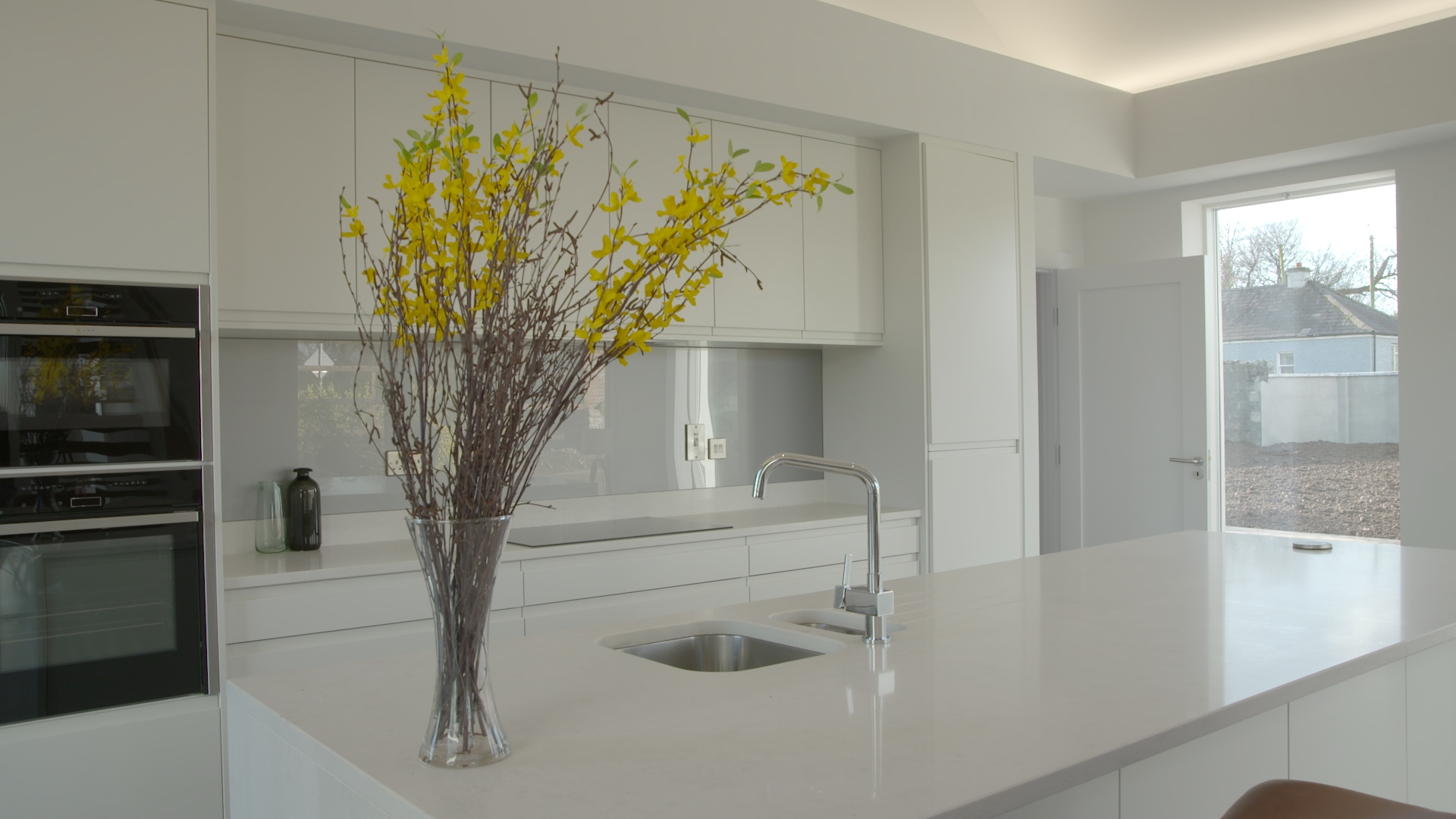TX3 RTI10 Moate AFTER Kitchen 2.jpg
