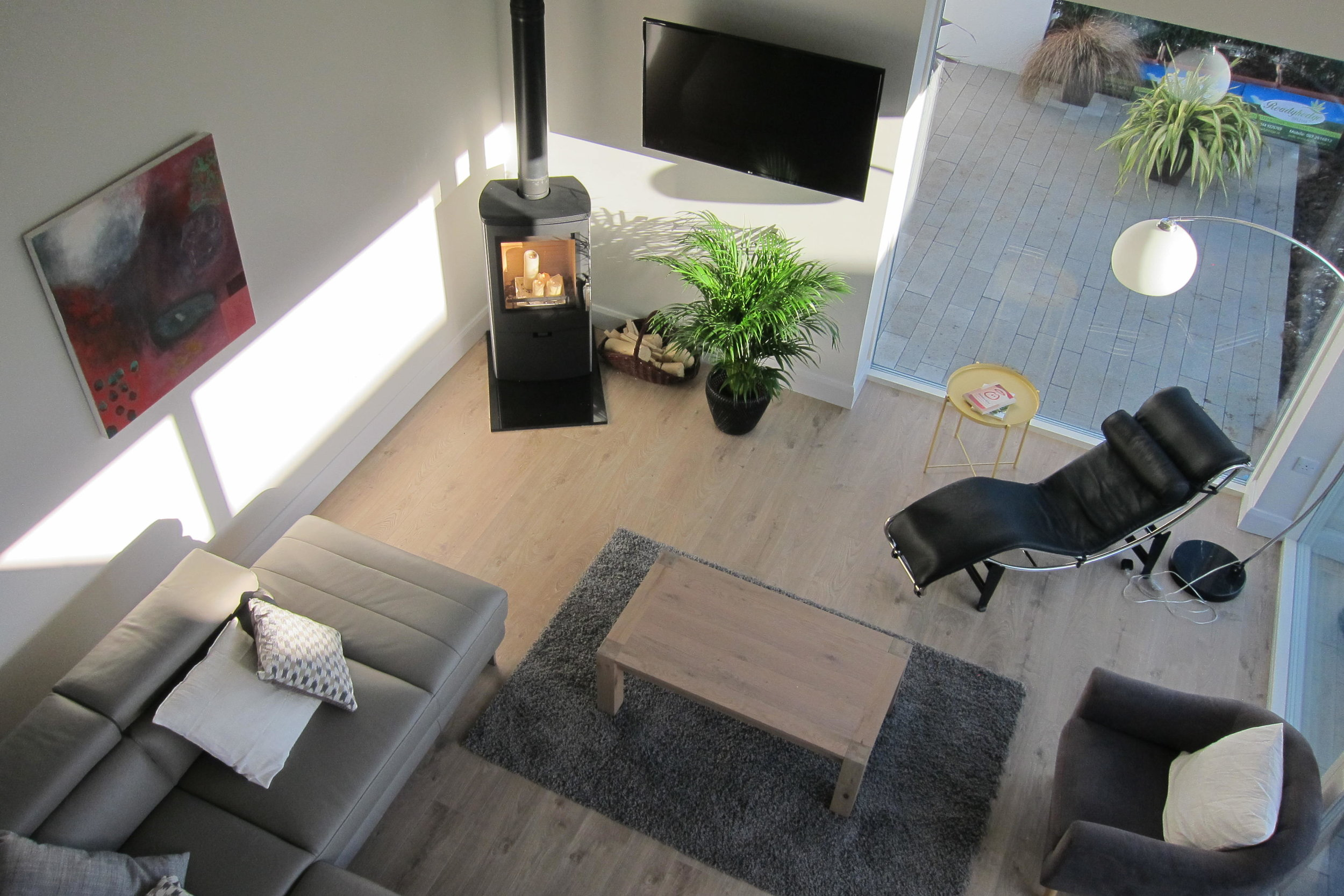 TX3 RTI10 Moate AFTER Livingroom from height.JPG