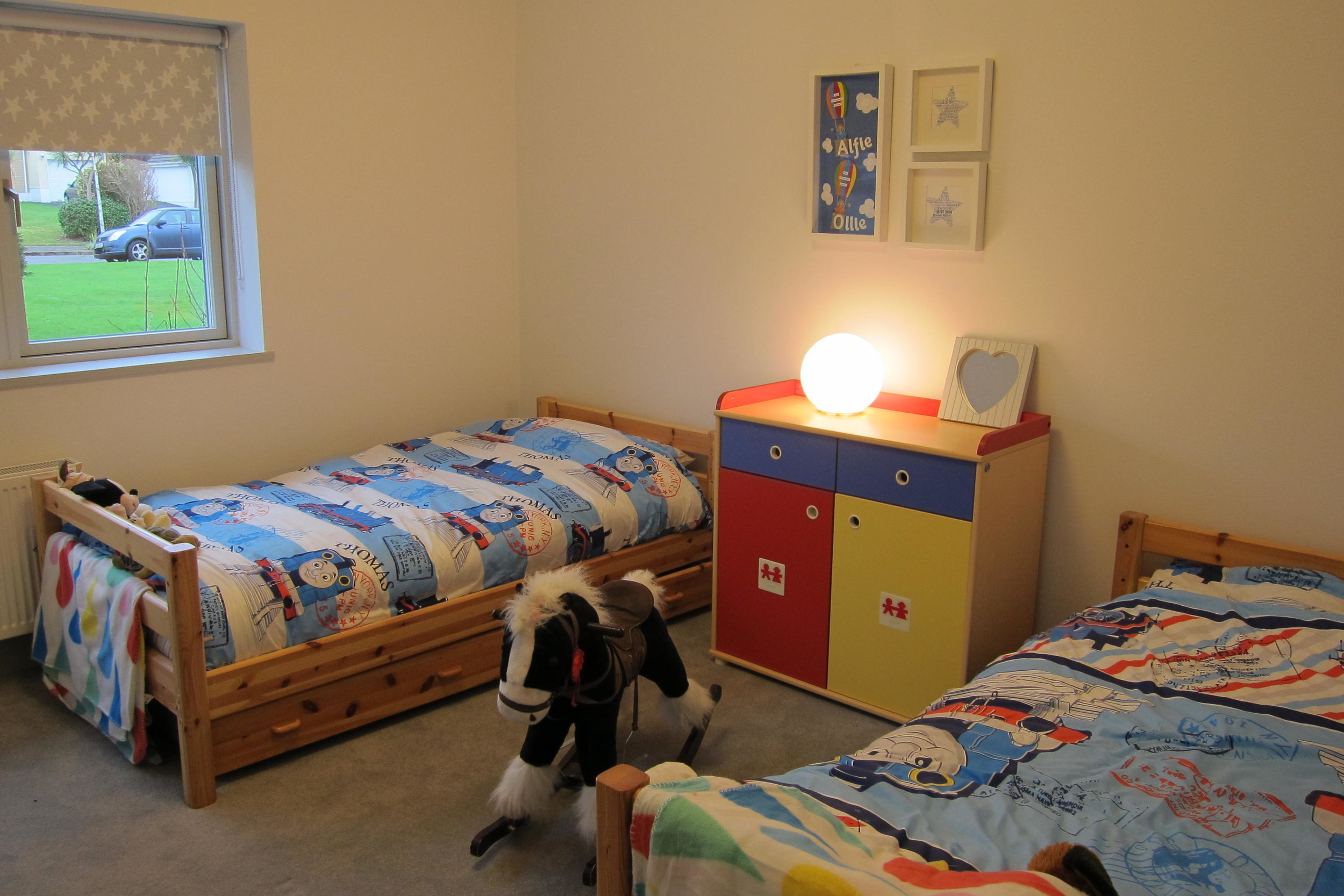 TX4 RTI10 Sutton AFTER twins bedroom.JPG