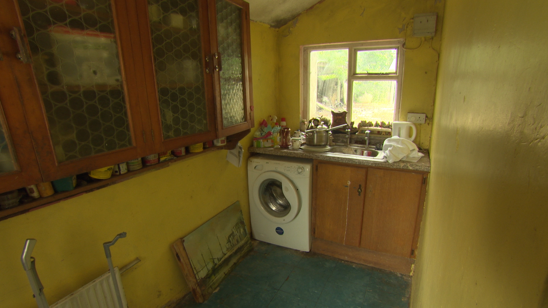 TX5 RTI10 Kildalkey BEFORE Kitchen 3.jpg
