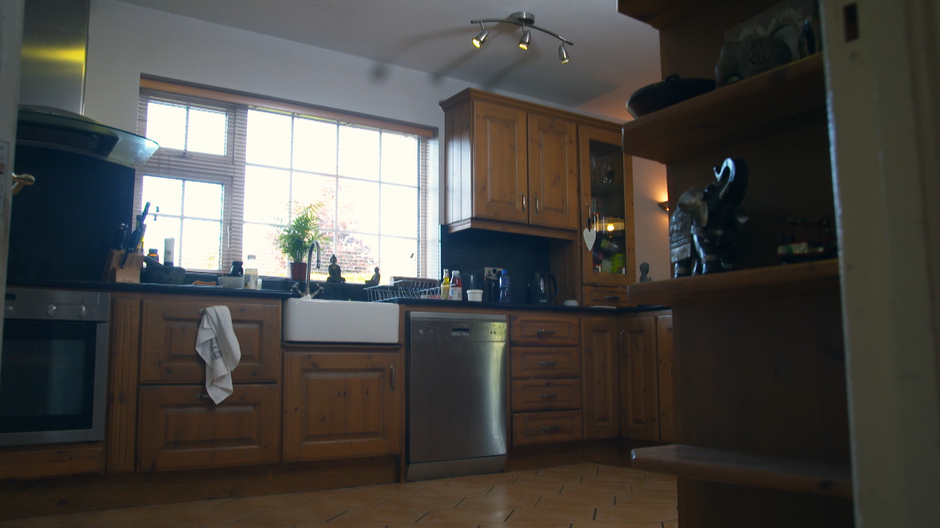 Kitchen Before.png