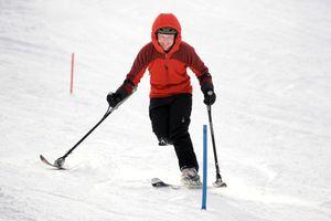 T  hree-track skiing