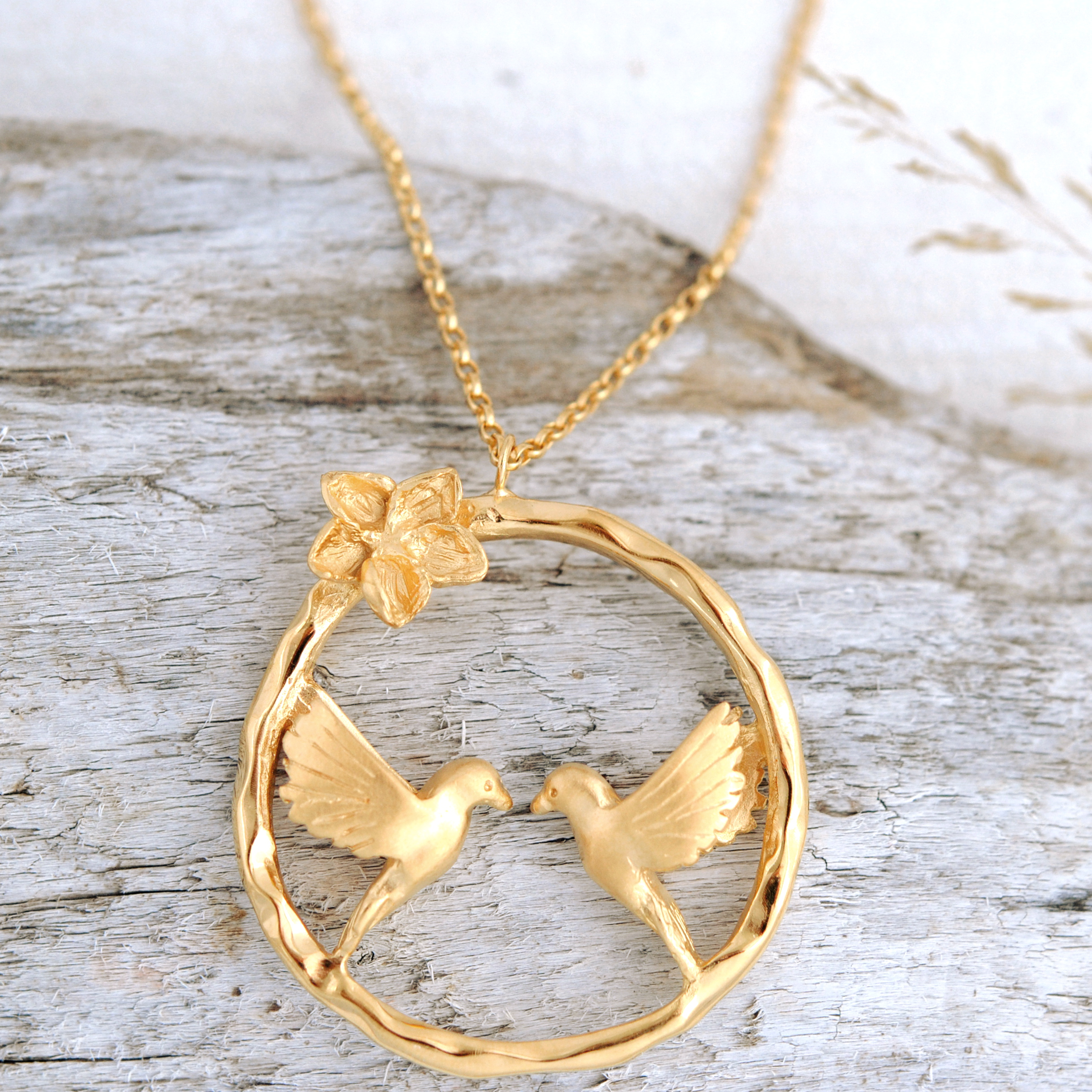 Turtle Dove Infinity Necklace In Gold