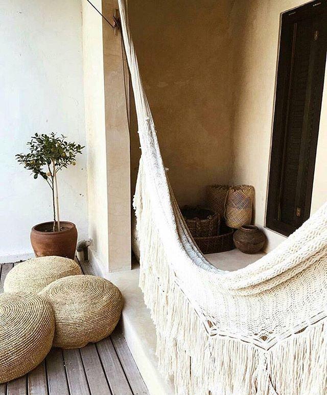 Rolling into the weekend like... 🐚 Image via @amberlyvalentine www.bornagainbody.com.au