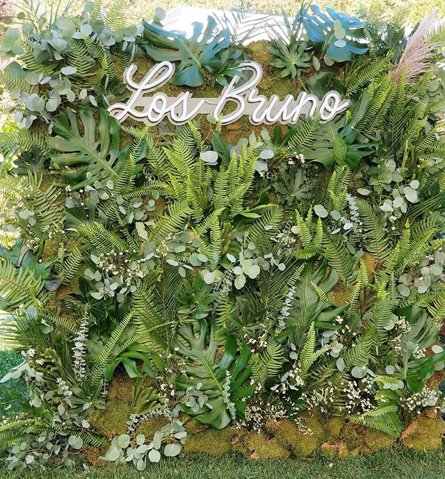 Sometimes you need to take it to the next level...with a greenery wall and personalized neon sign...  Creative Team: @winkandwillow  @basinharborweds  @jharperphoto  @vermonttentcompany  Image by @sbsmith802  #ido #wedding #neon #flowerwall #greenerywall #palm #monstera #fern #losbruno #weddinginspo #coolbride #vermontwedding #newenglandwedding #vermontflorist #florist #party #eventdecor #eventdesign #luxewedding #flowerstagram #hellomay #junebugweddings #greenweddingshoes #marthaweddings