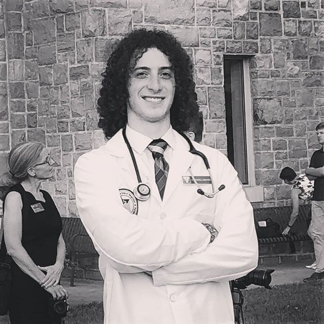 """Dress for the job you want, not the one you have."" I'll always be a Rockstar underneath the lab coat. But I'll always have a passion for veterinary medicine.  Thank you to @vamdvetmed For giving me the chance to show what I can really do.  Check out mitchellkenyon.com for more!  #dmv #newmusic #dmvmusicians #altrock #guitar #drums #bass #dcmusic #washingtondc #dmvmusic #dmvmusicindustry #unsignedartist #indieartist #Rockmusician #rockmusicians #rockmusician #Americanrockmusician #hardrockmusician #nirvana #rhcp #greenday #blink182 #thebeatles #sum41 #cat #cutecats #LinkinPark #foofighters #johnlennon"