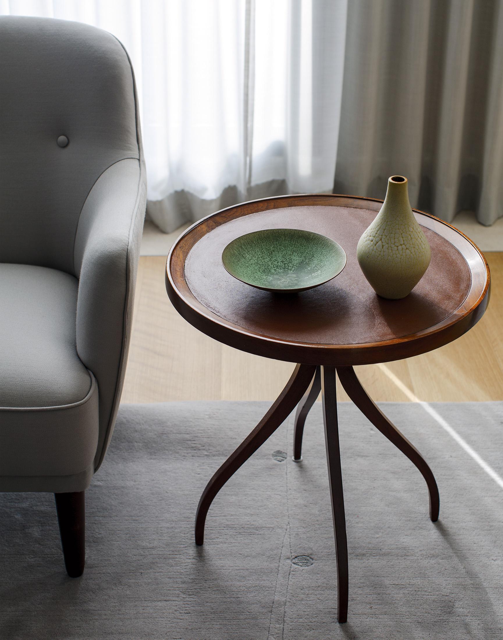 12-Living Room.jpg