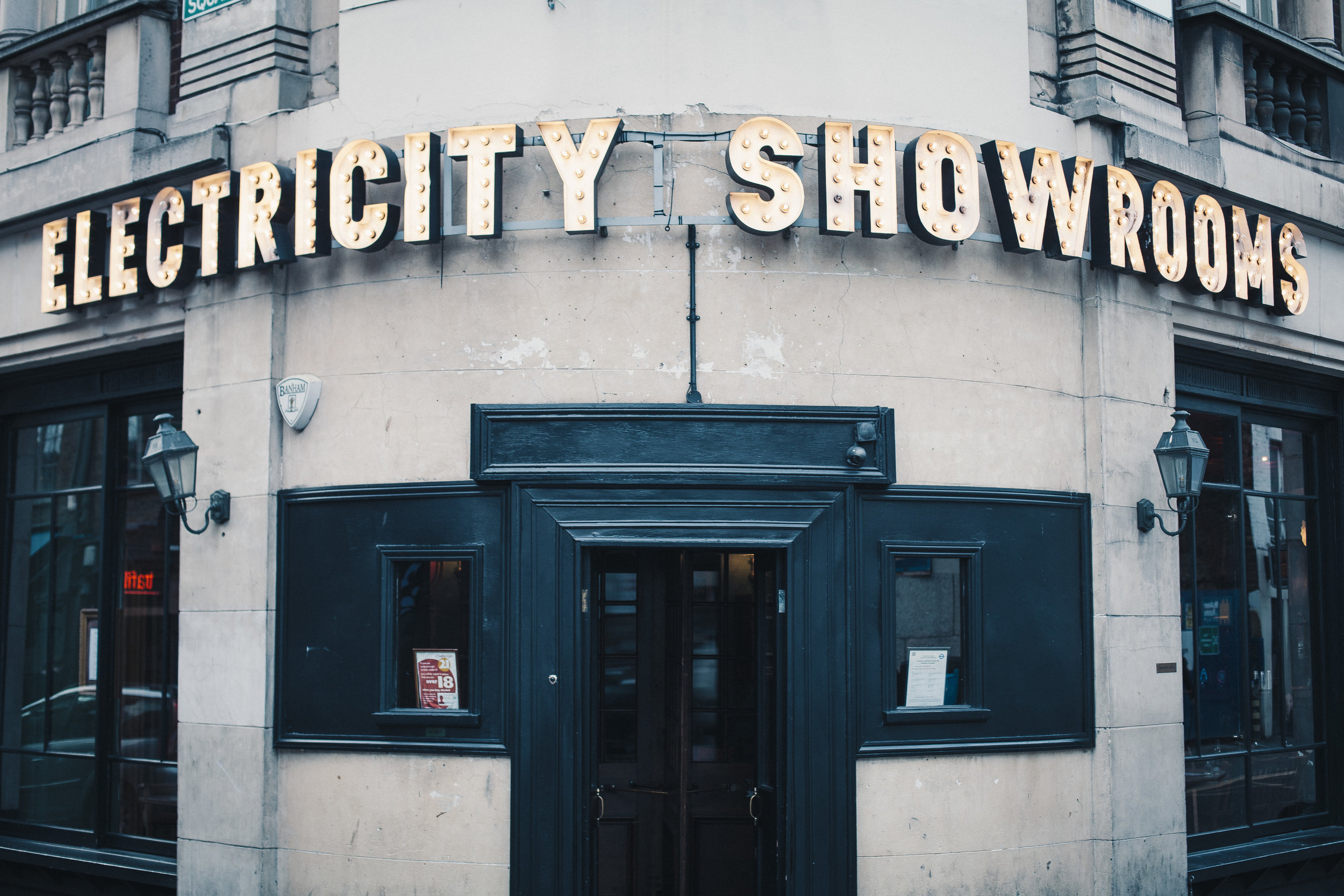 The Electricity Showrooms, location of the final portrait