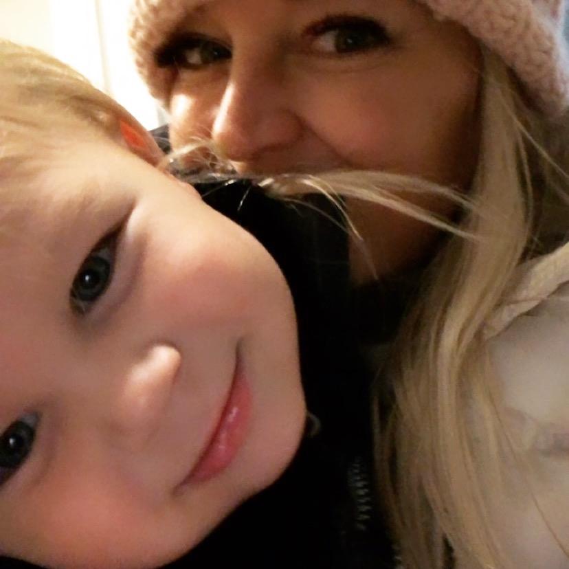 mommy dalton selfie hats.JPG