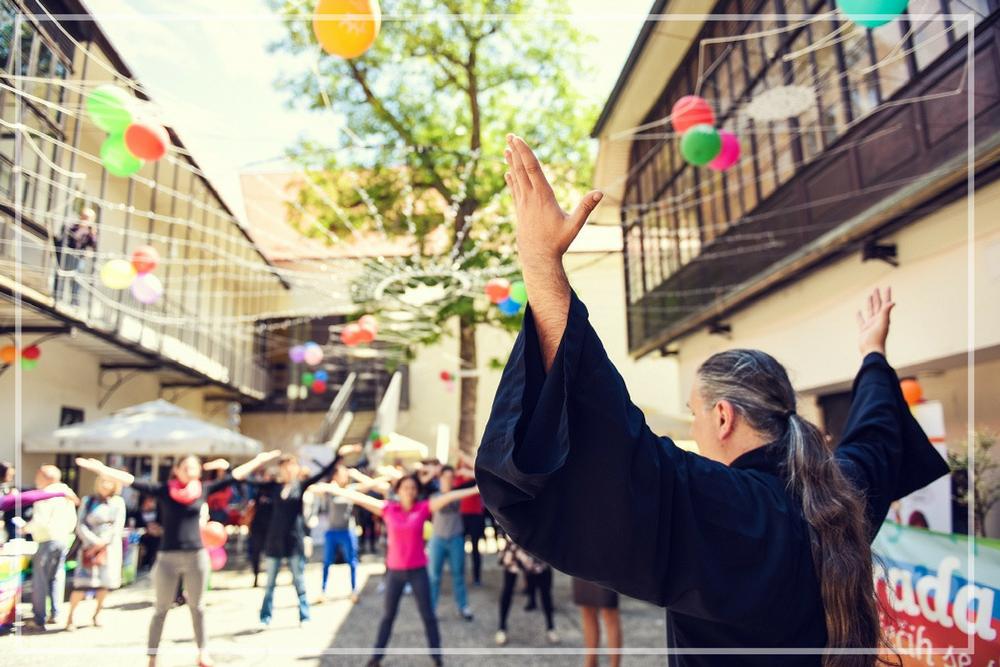 Andragoški zavod - V sklopu Andragoškega zavoda so potekale po Sloveniji prireditve, namenjene spodbujanju učenja in ozaveščanju javnosti o pomenu in vseprisotnosti izobraževanja in vseživljenjskega učenja.