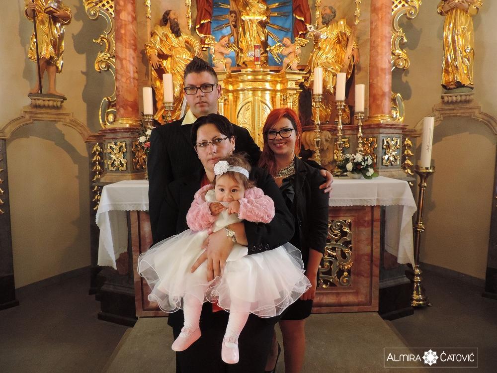 AlmiraCatovic Krst (21).jpg