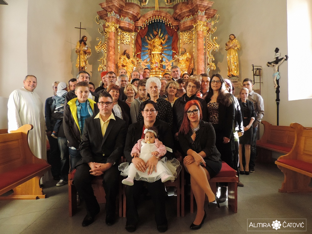 AlmiraCatovic Krst (26).jpg