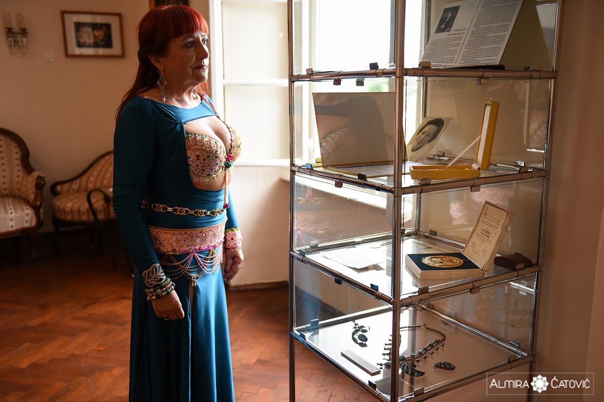 V gradu v Slovenski Bistrici so na ogled nagrade, nakit in pohištvo izjemne kirurginje svetovnega slovesa, in sicer gre zahvala dr. Zori Janžekovič, da je rekonstrukcija dojke sploh možna in tudi uspešna. Prof. dr. Zora Janžekovič je v leta 1961 izumila metodo takojšnjega kirurškega zdravljenja opeklin, s čimer je rešila mnogo žrtev opeklin, ki bi sicer morale umreti ter tako povedla mariborsko bolnišnico v center edukacije, kamor so prihajali na učenje najimenitnejši svetovni strokovnjaki s področja plastične, rekonstrukcijske kirurgije in opeklin. Prejela je številne nagrade, med drugim leta 2007 Zlato britev, ki je namenjena posameznikom, ki so naredili izjemen doprinos.