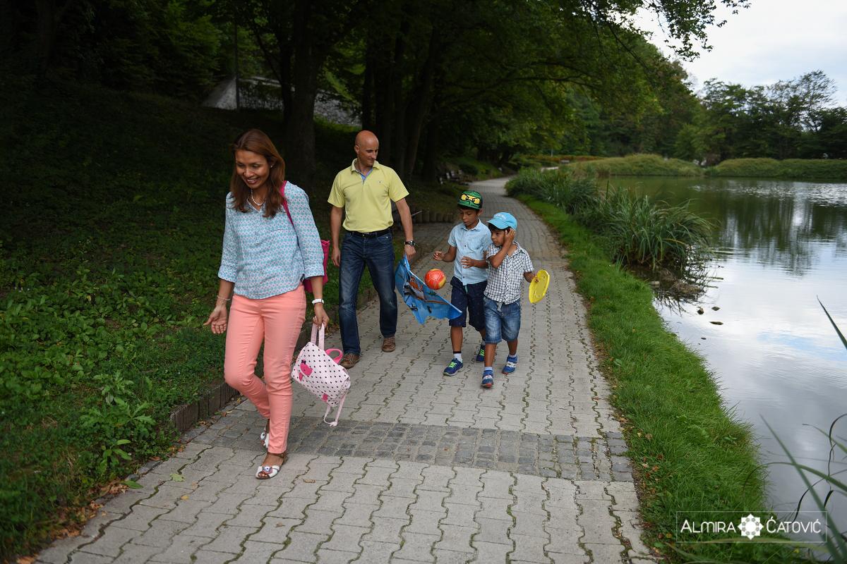 AlmiraCatovic-Familyphoto (2).jpg