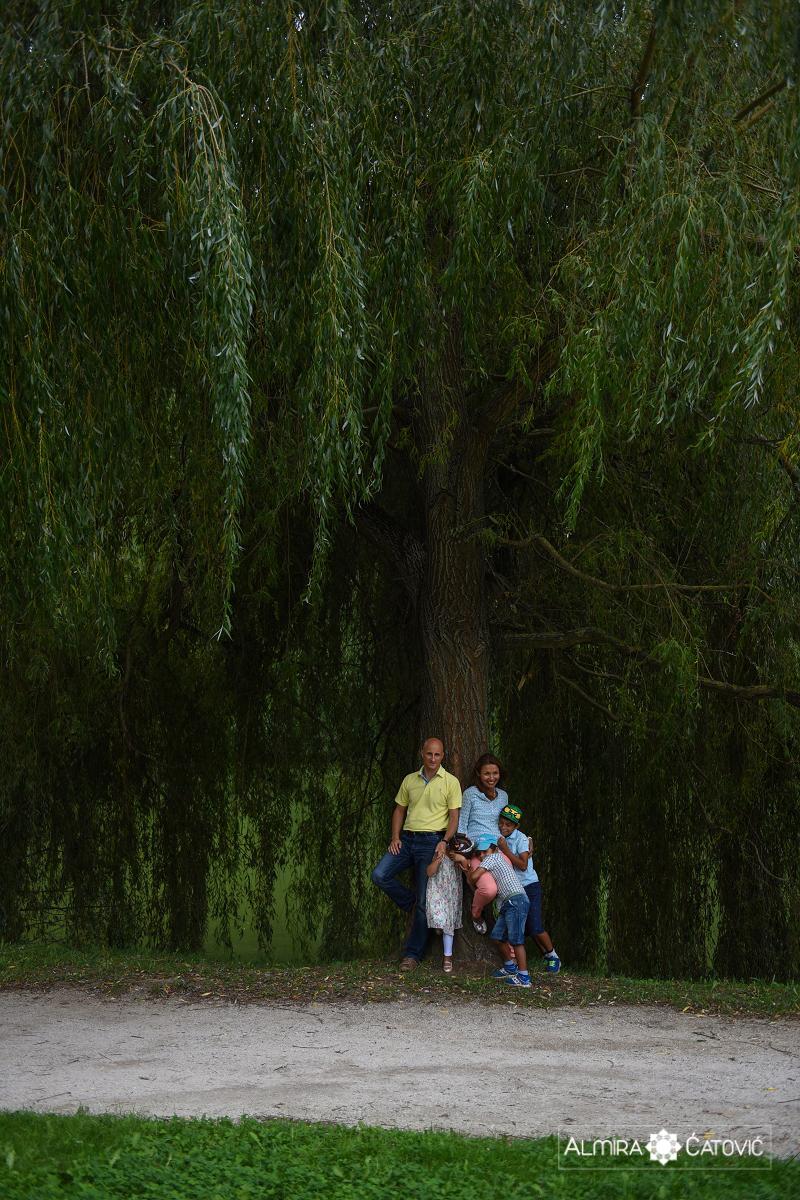 AlmiraCatovic-Familyphoto (4).jpg