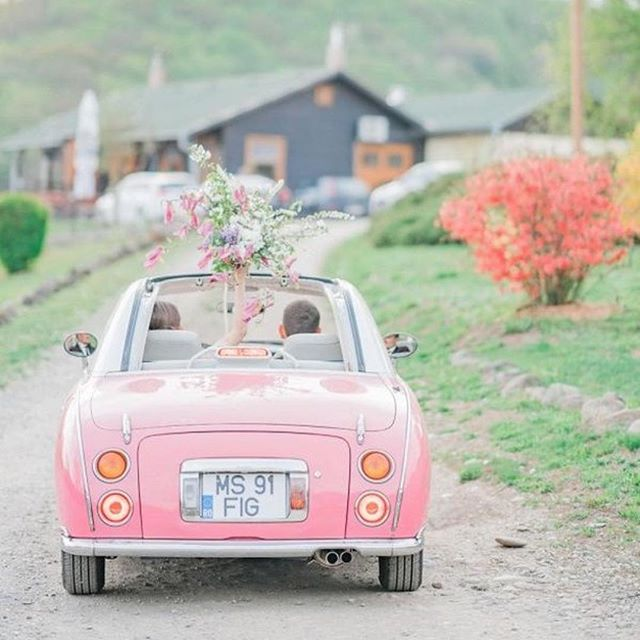 How important is a get away car?  This little car is @thepinkfigaro and I think it has convinced us it does matter. Doesn't  this photo by @ioanaporavweddings just prove it. Regram from @aislesociety . . . #pinkcar #weddingcar #getawaycar #pinkweddingideas #weddingplan #weddinginspo #weddinginspiration #weddinggetaway #weddingsendoff #weddingsendoffideas #weddingphotos #weddingcars #cutecar #toyotacar