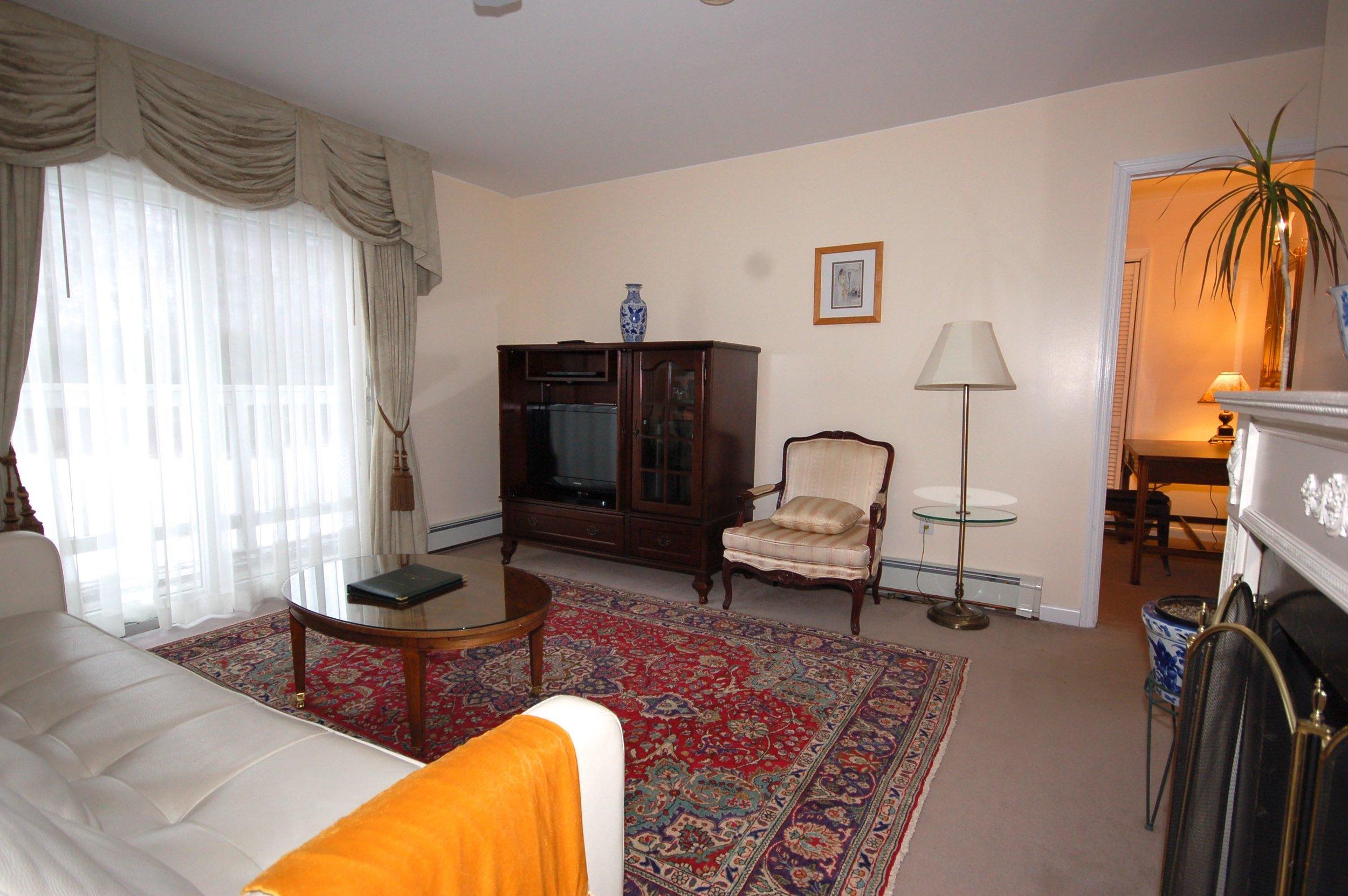 room  2 bedroom suite 112.jpg