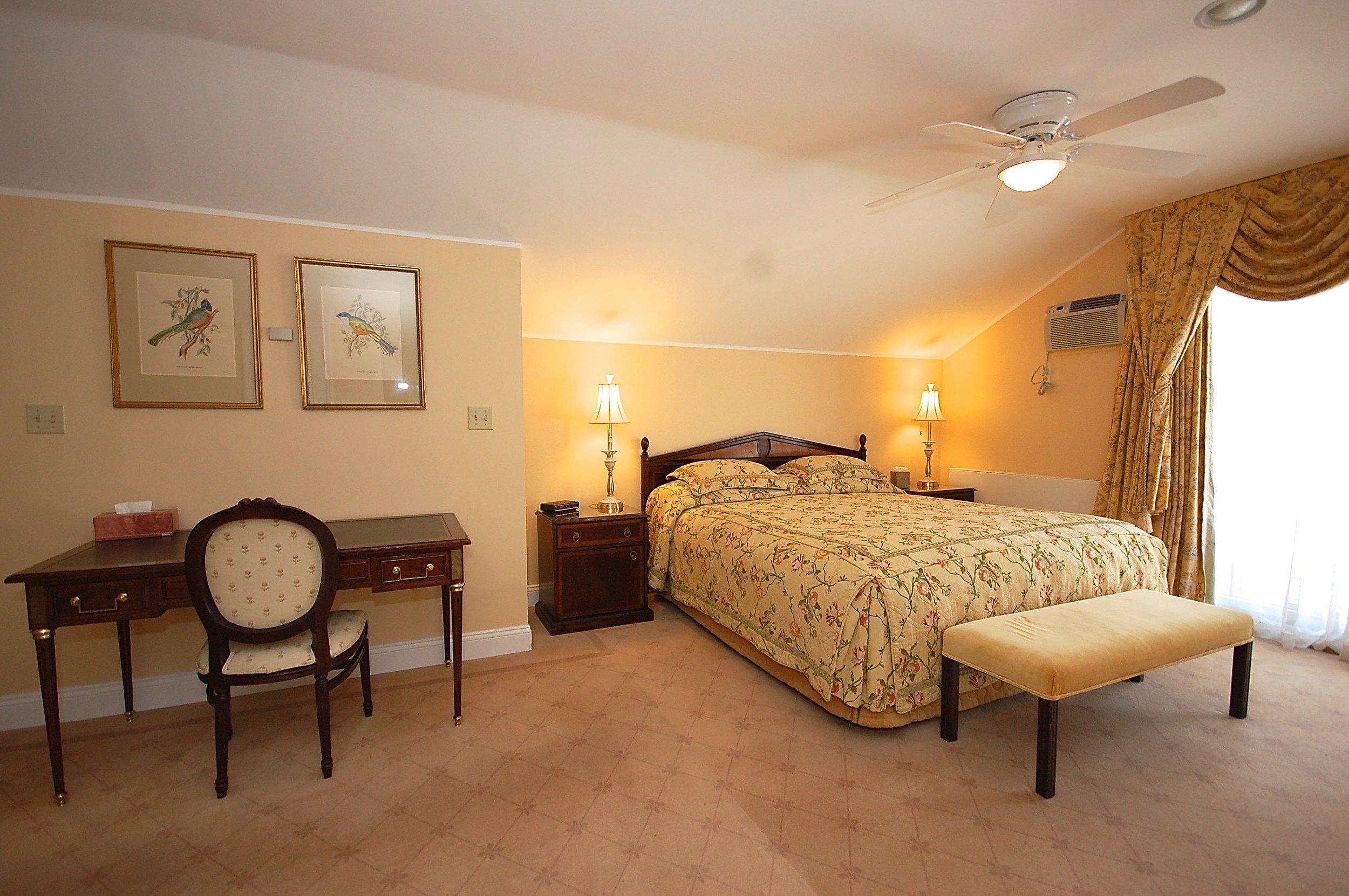 suite 2 bedrom 110.jpg