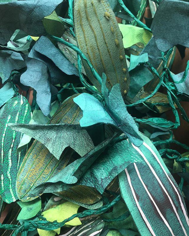 Packing up paper cucumbers for @isenbergprojects for the Boston Pickle Fair 🥒🌿 #bostonpicklefair #handmade #dyedpaper #installationart #ritdye #vegetablegarden