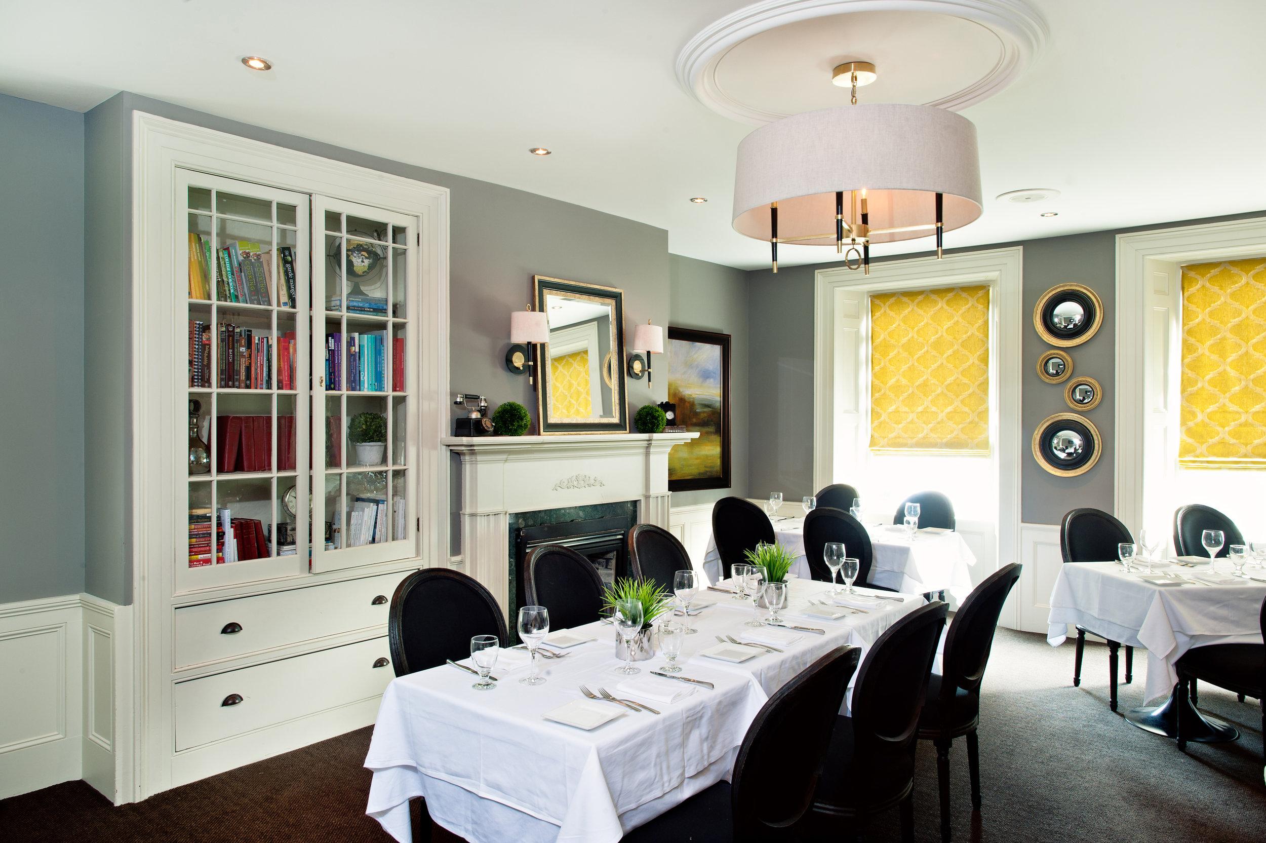 Restaurant Dining Room.jpeg