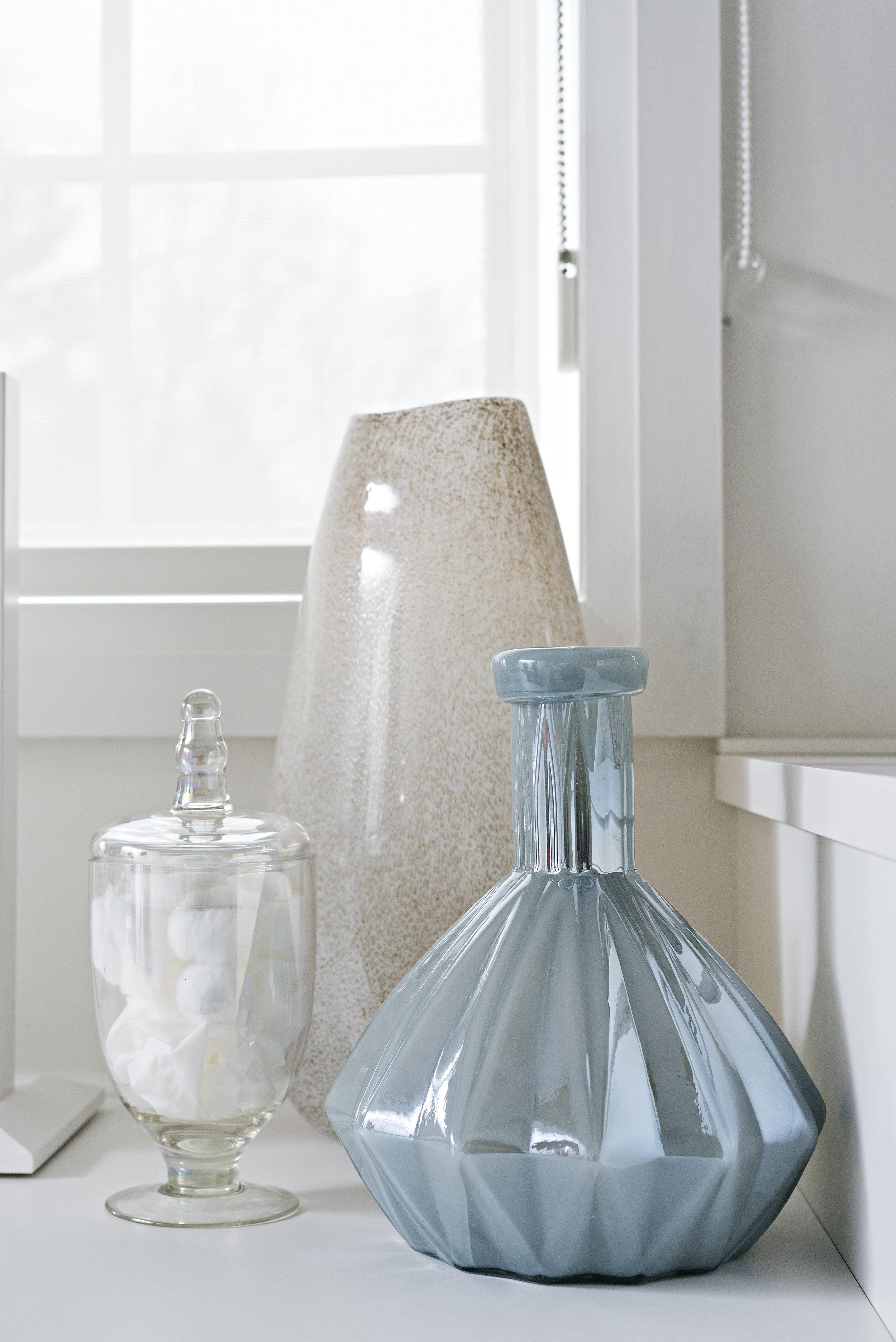 pizzale design interior design accessories accessorizing decor blue vase small storage soft colour palette .jpg