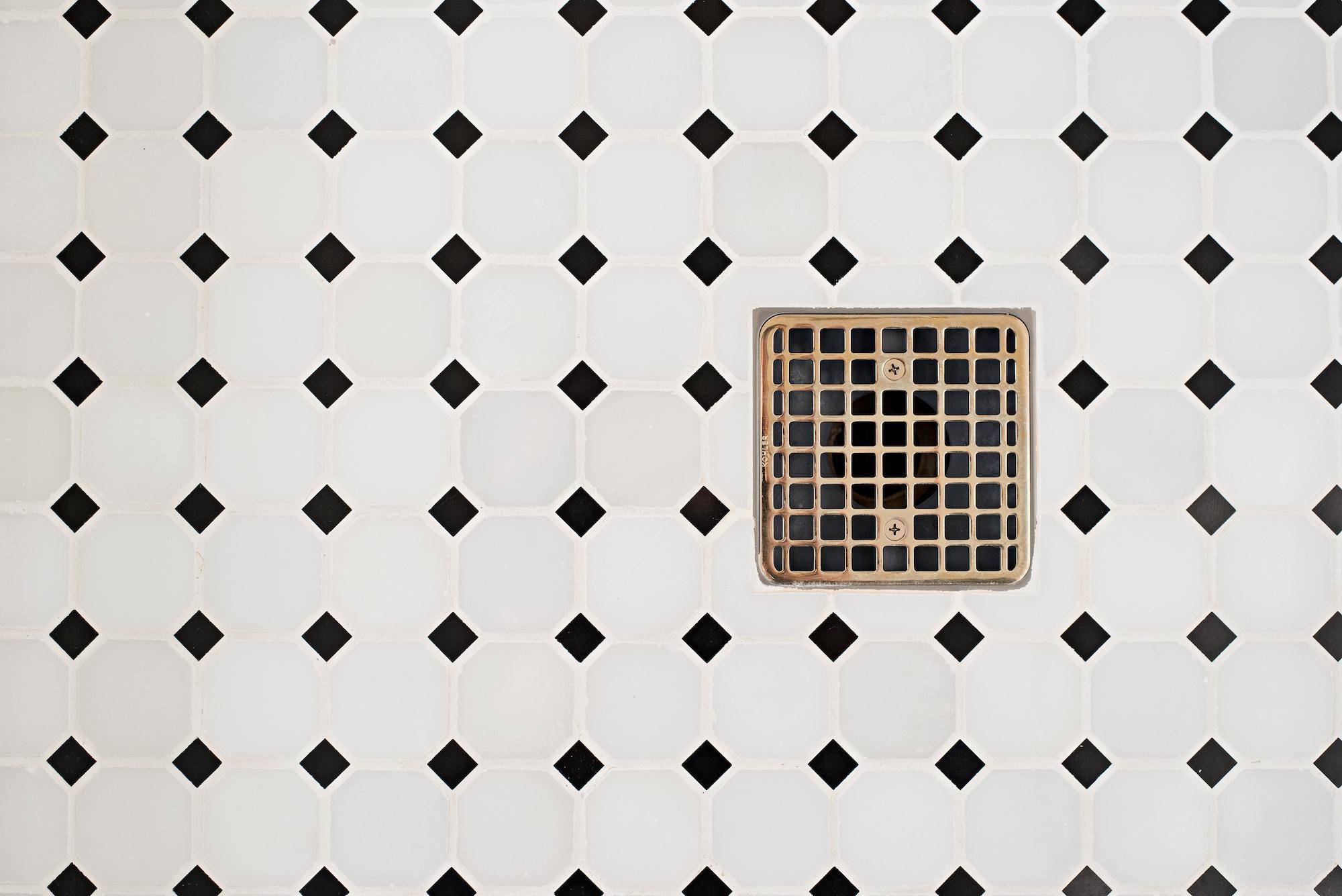 15 Pizzale Design Interior Decorating  bathroom elegant clean simple beige white tile.jpg