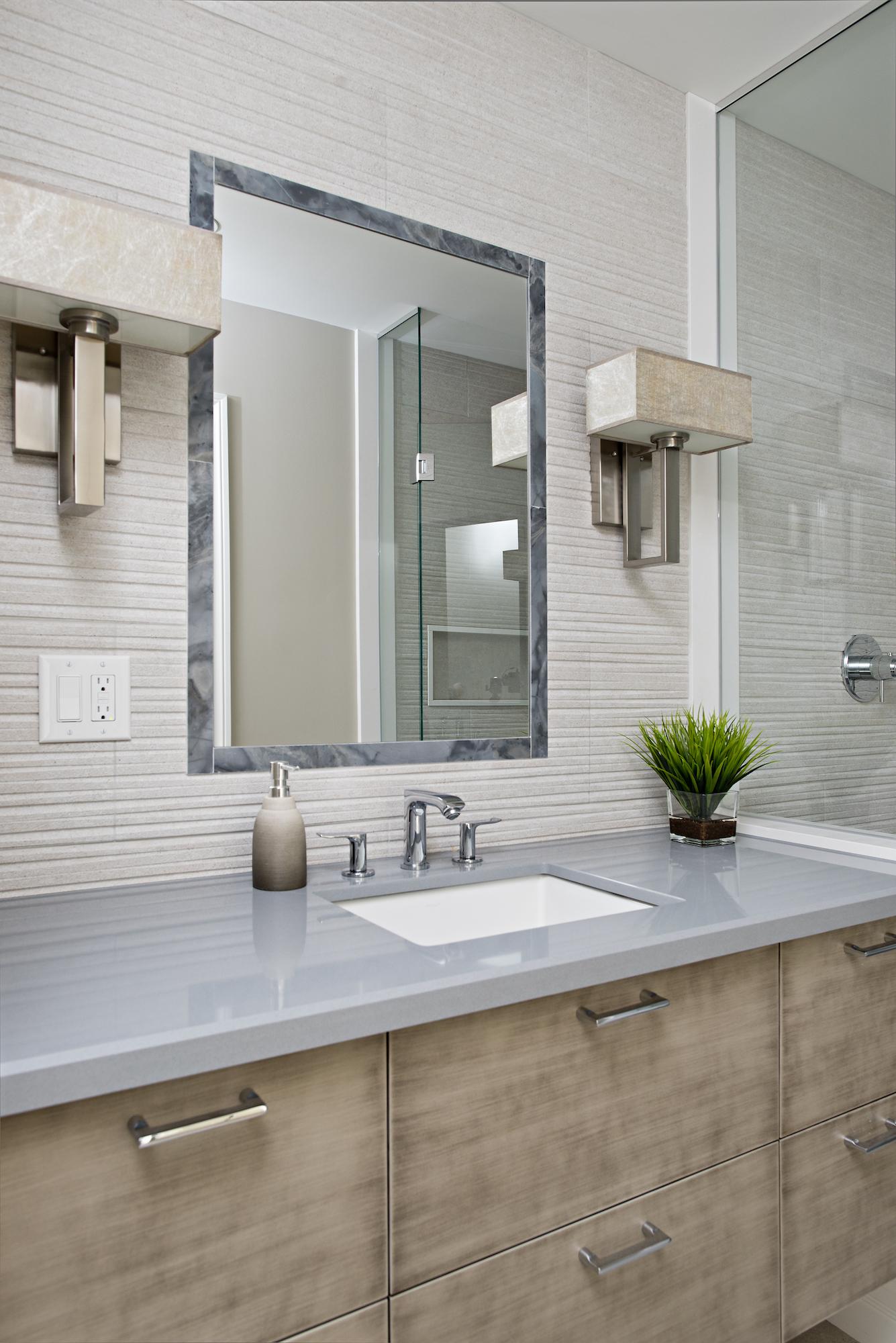 18 Bathroom Vanity.jpg