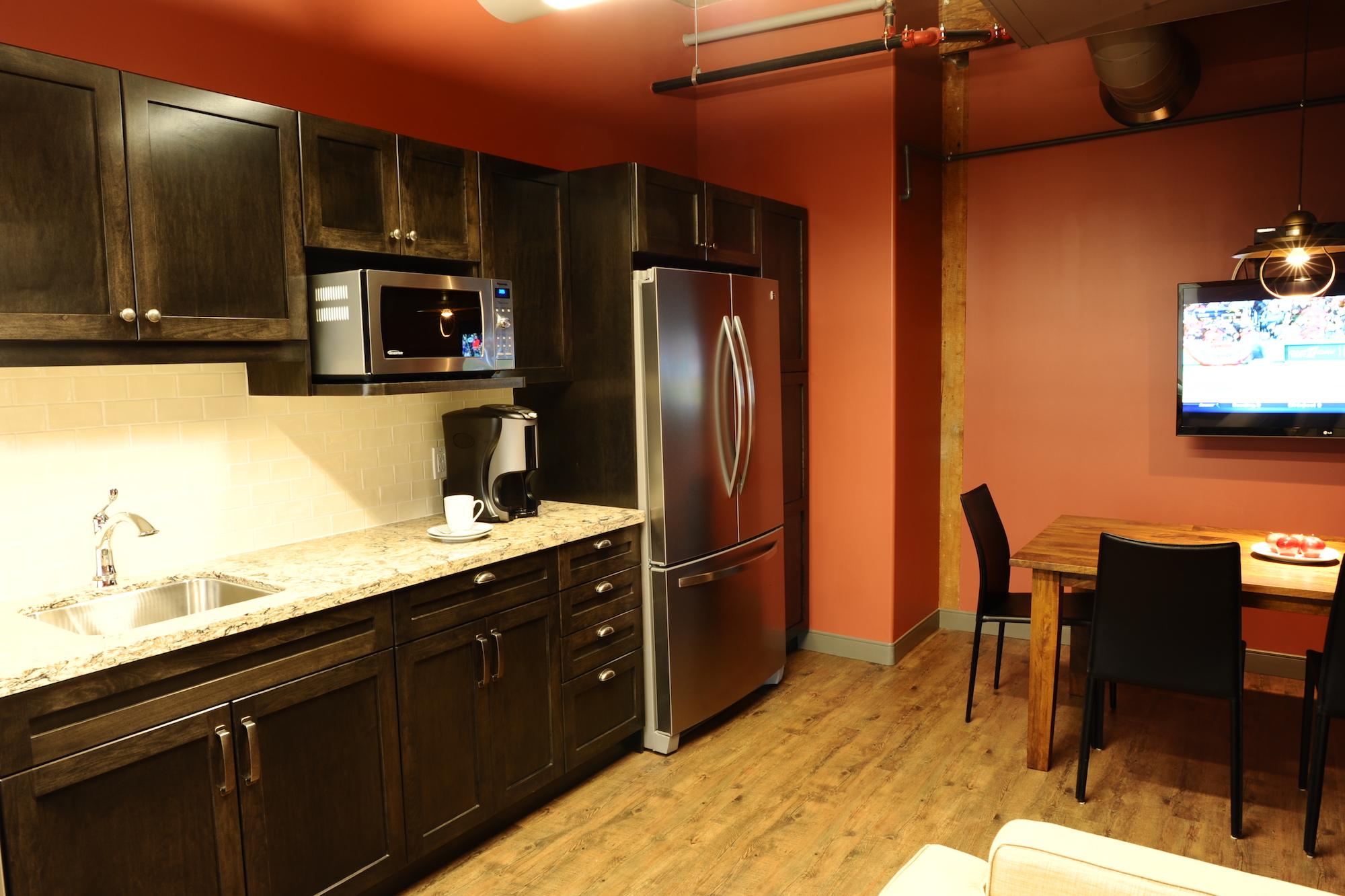 7 Office Kitchen.JPG